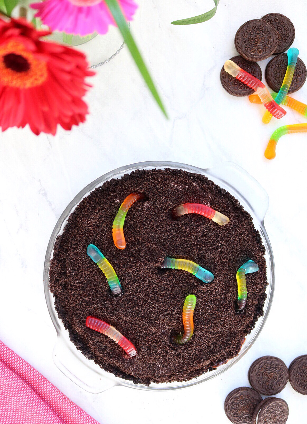 Dirt Cup Chocolate Pudding Pie | via Pies Before Guys